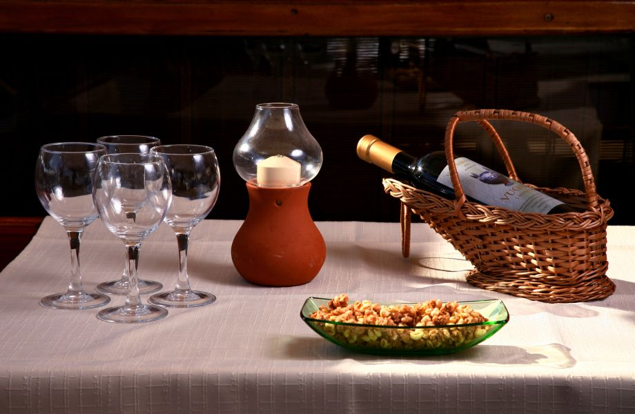 A table is served on Atlantia Gulet with Maestral Travel Agency