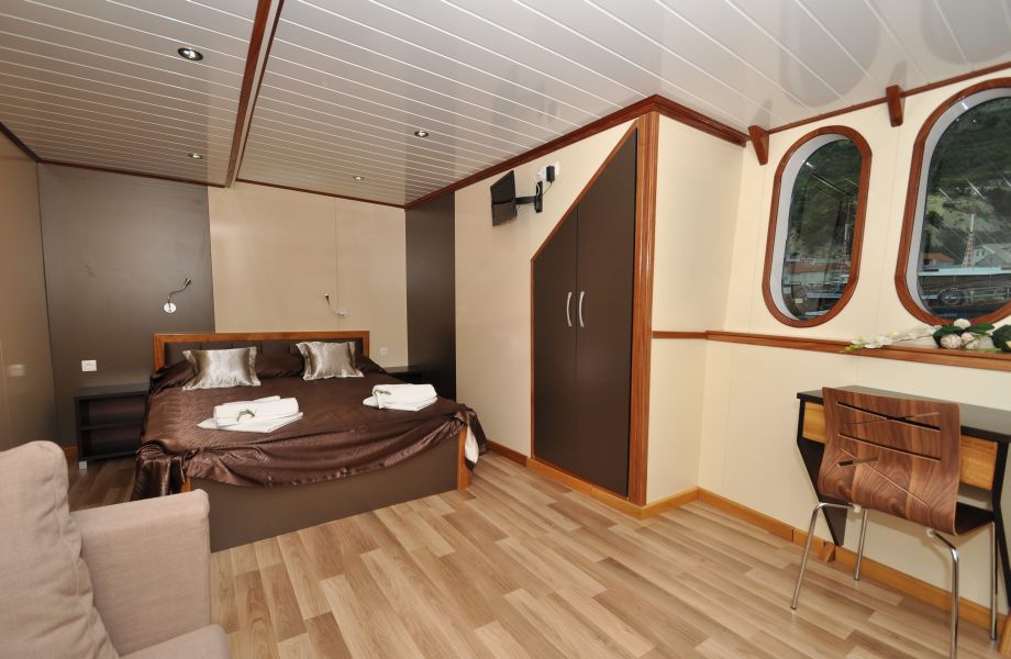 MS President, Double room with Maestral Travel Agency