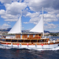 Oldtimer Lopard, with Maestral Travel Agency