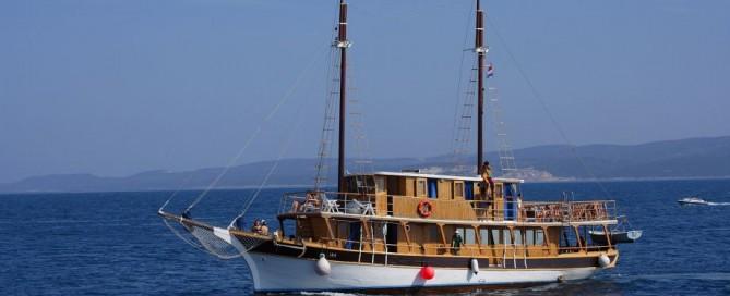 BrodJedrenjakIka5934o